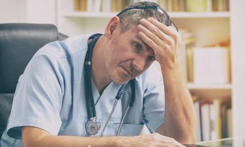 Σε κατάσταση αναμονής οι επικουρικοί γιατροί - Απλήρωτοι επί μήνες