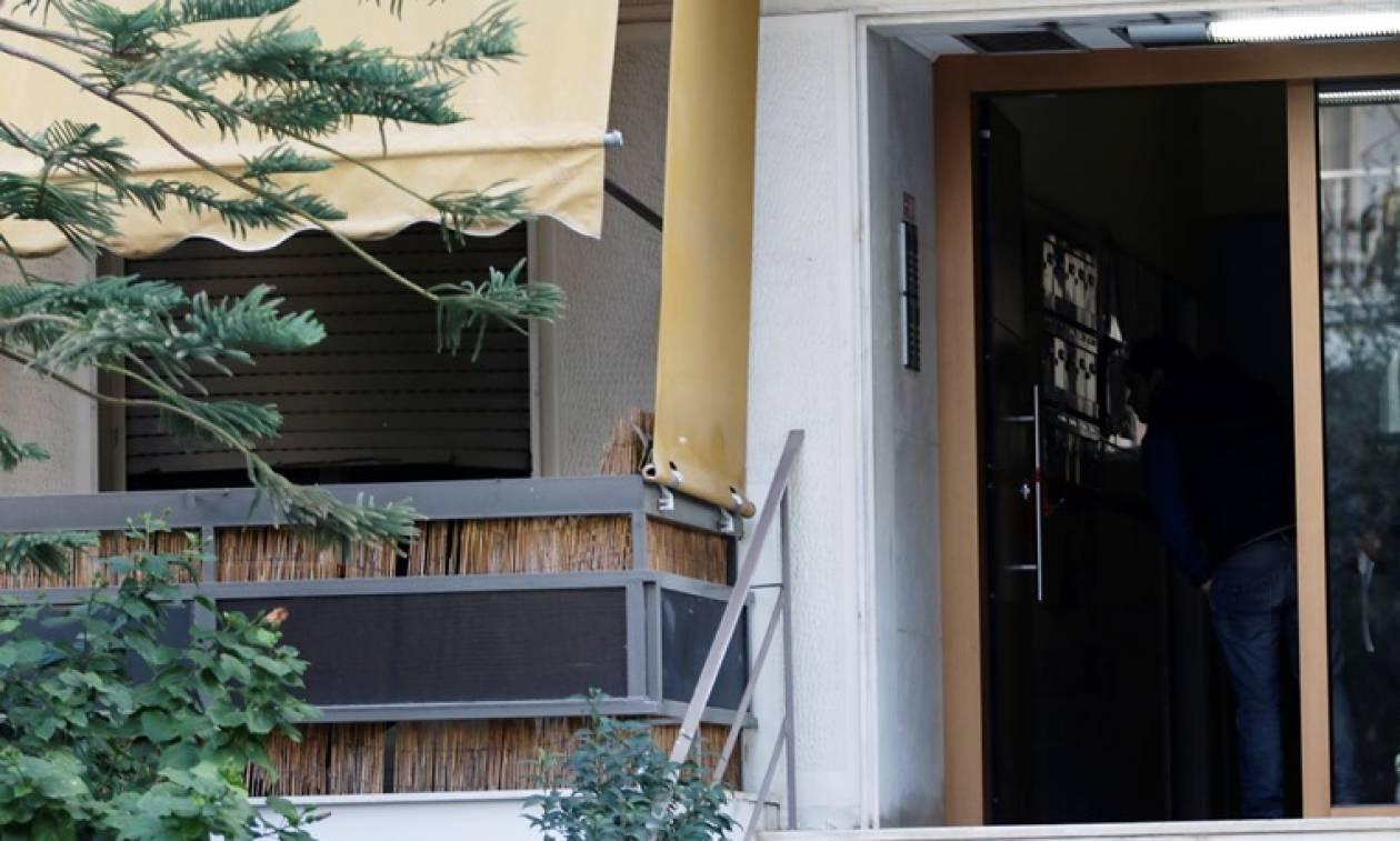 Νέα Σμύρνη - Φρίκη: Τα παιδιά προσπαθούσαν να σωθούν κι ο πατέρας τα παρακολουθούσε να αργοπεθαίνουν