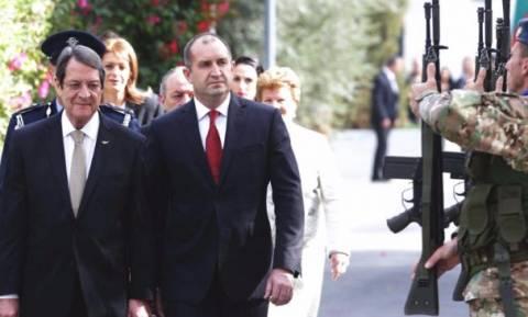 Президент Болгарии провел визит на Кипр
