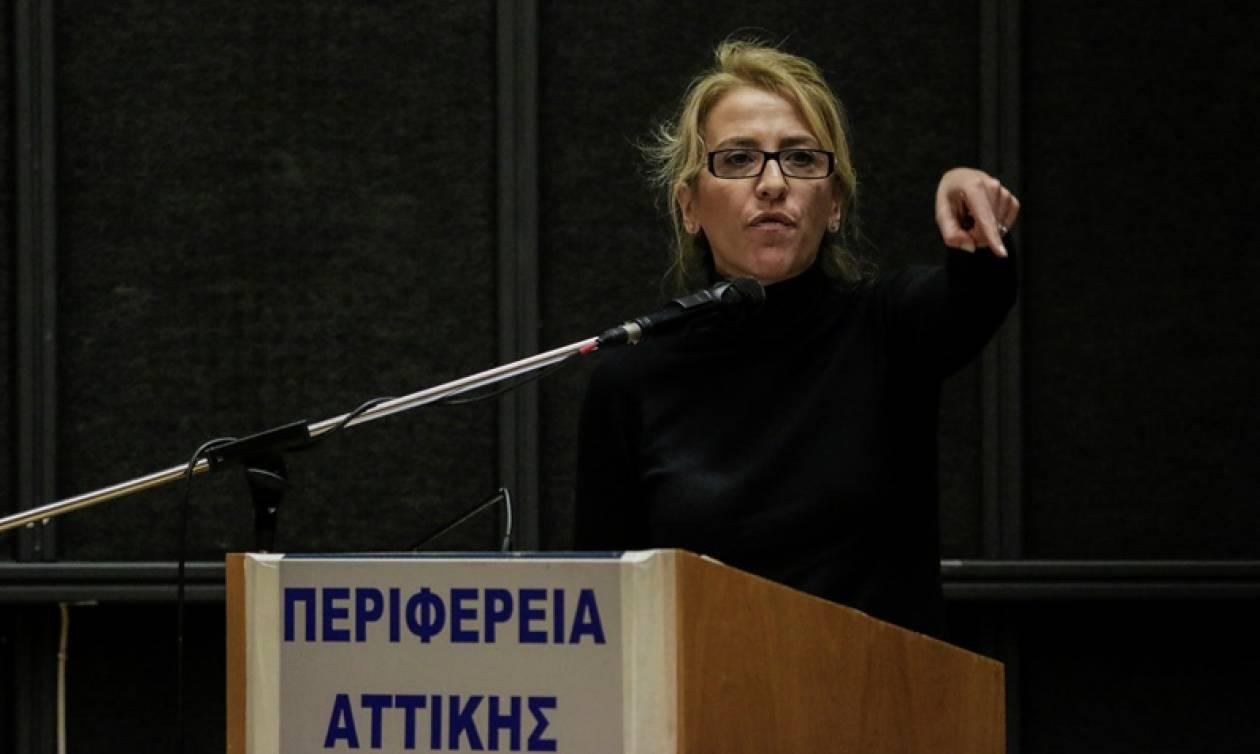 Εκρηκτικό κλίμα στο συμβούλιο της Περιφέρειας Αττικής: Πλημμυροπαθείς την «έπεσαν» στη Δούρου (vid)