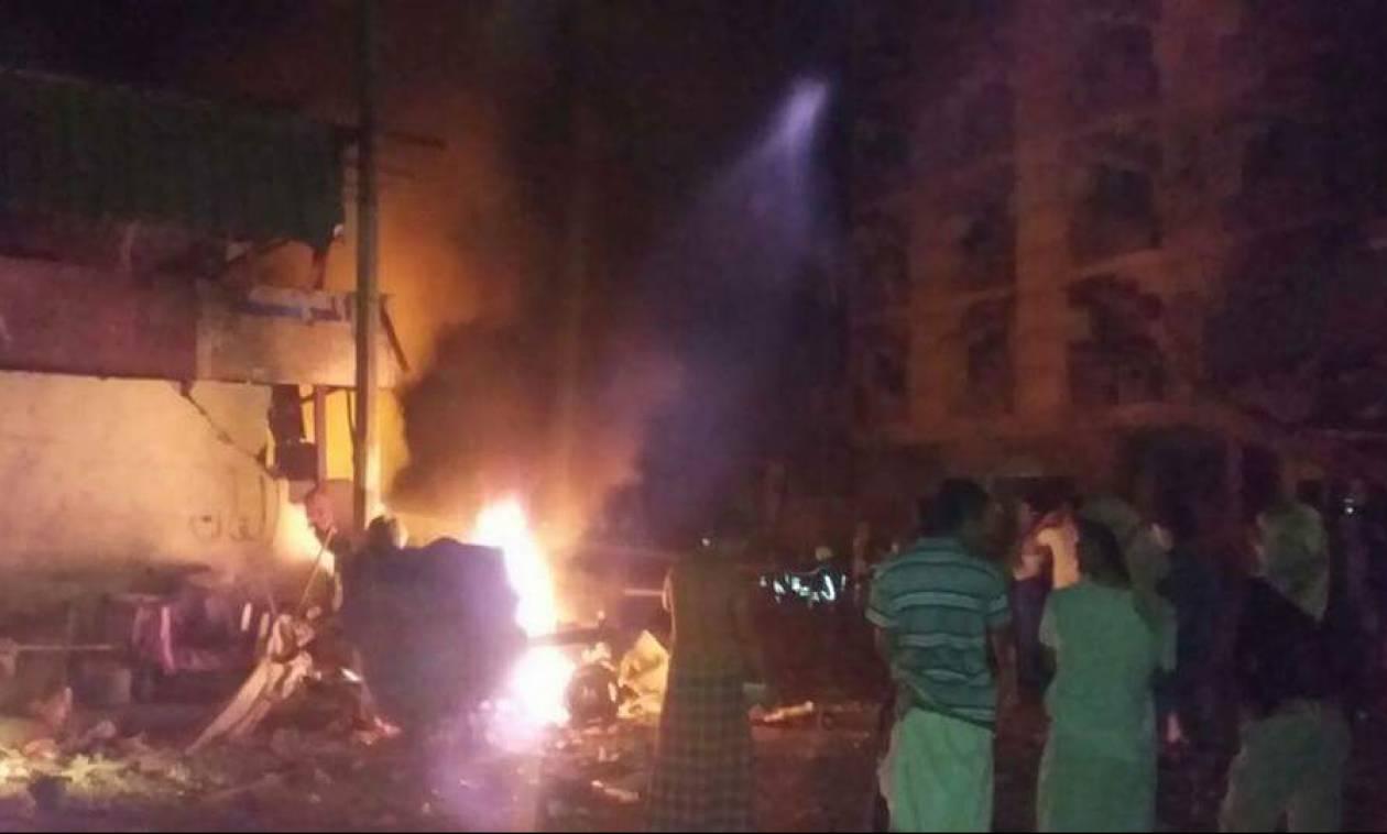 Υεμένη: Έκρηξη παγιδευμένου αυτοκίνητου στο κτίριο του υπ. Οικονομικών - Αναφορές για θύματα (pics)