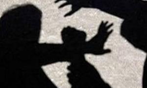 ΣΟΚ στο Βόλο: Σακάτεψε τη γυναίκα του με λοστό μπροστά στα μάτια της κόρης τους