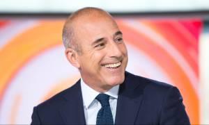 Σοκ στις ΗΠΑ: Απολύθηκε διάσημος δημοσιογράφος λόγω «απρεπούς σεξουαλικής συμπεριφοράς»