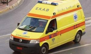 Τρίκαλα: 13χρονη έπεσε από τον δεύτερο όροφο πολυκατοικίας και σώθηκε!