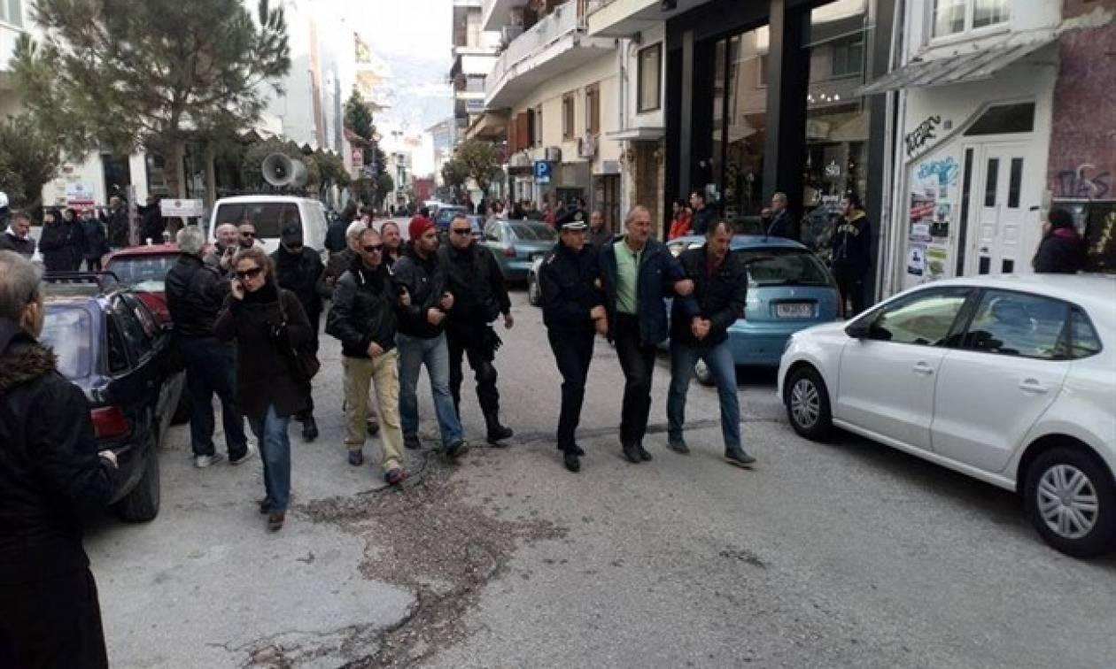Ιωάννινα: Επεισόδια και συλλήψεις σε διαμαρτυρία απολυμένων εργαζόμενων