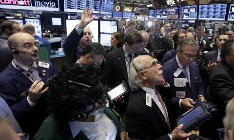 Με μικτά πρόσημα έκλεισε η συνεδρίαση στη Wall Street