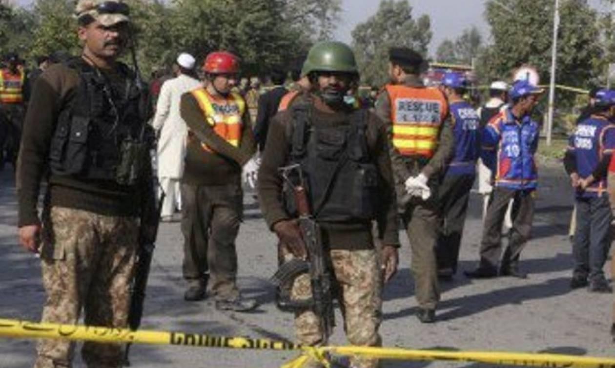 Δείτε πώς μεταμφιέστηκαν οι δράστες της επίθεσης σε κολέγιο στο Πακιστάν