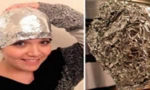 Έβαλε αλουμινόχαρτο μετά το λούσιμο στο κεφάλι της... Θα το δοκιμάσετε σίγουρα