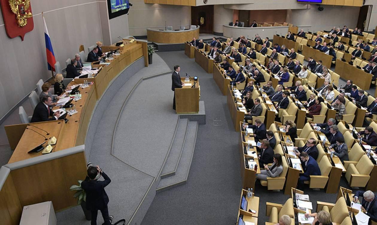 Η «ρωσική αρκούδα» βρυχάται: Η Βουλή αναιρεί την διαπίστευση των αμερικανικών ΜΜΕ