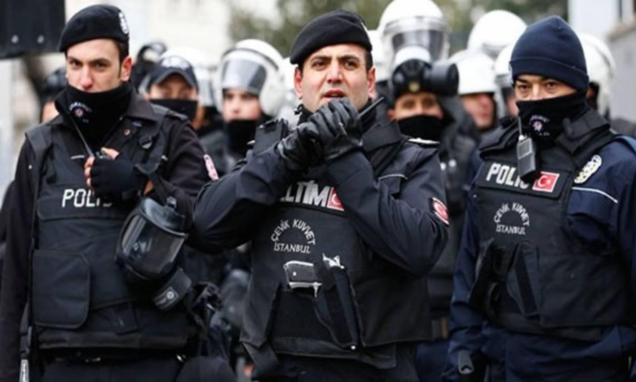 Τραβούν το σχοινί οι Τούρκοι: Εξέδωσαν ένταλμα σύλληψης για πρώην πράκτορα της CIA (Pic)