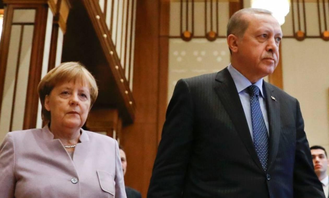 Στο φως της δημοσιότητας μυστικές διαπραγματεύσεις Ερντογάν - Μέρκελ