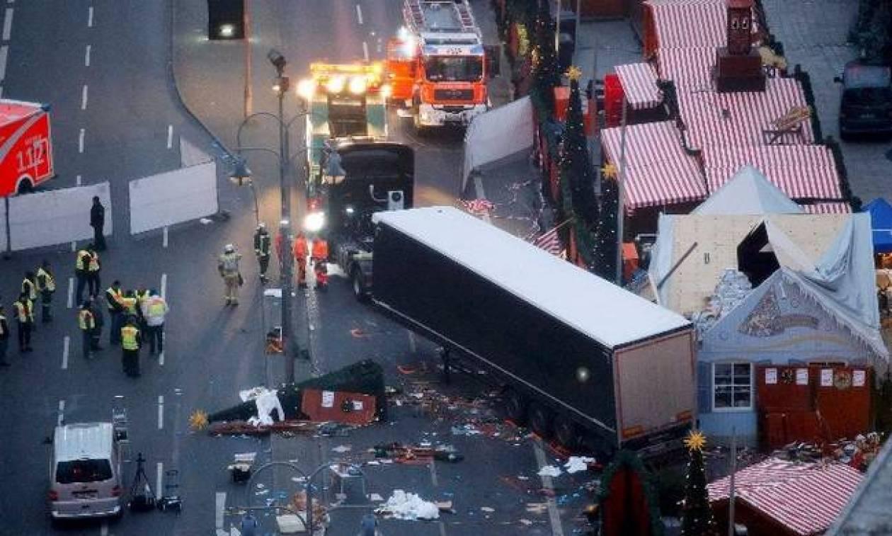 Γερμανία: Συγγενείς θυμάτων της τρομοκρατικής επίθεσης στο Βερολίνο κατηγορούν τη Μέρκελ