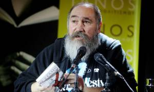 Ανακοπή υπέστη ο Τζίμης Πανούσης - Κατέρρευσε στη σκηνή