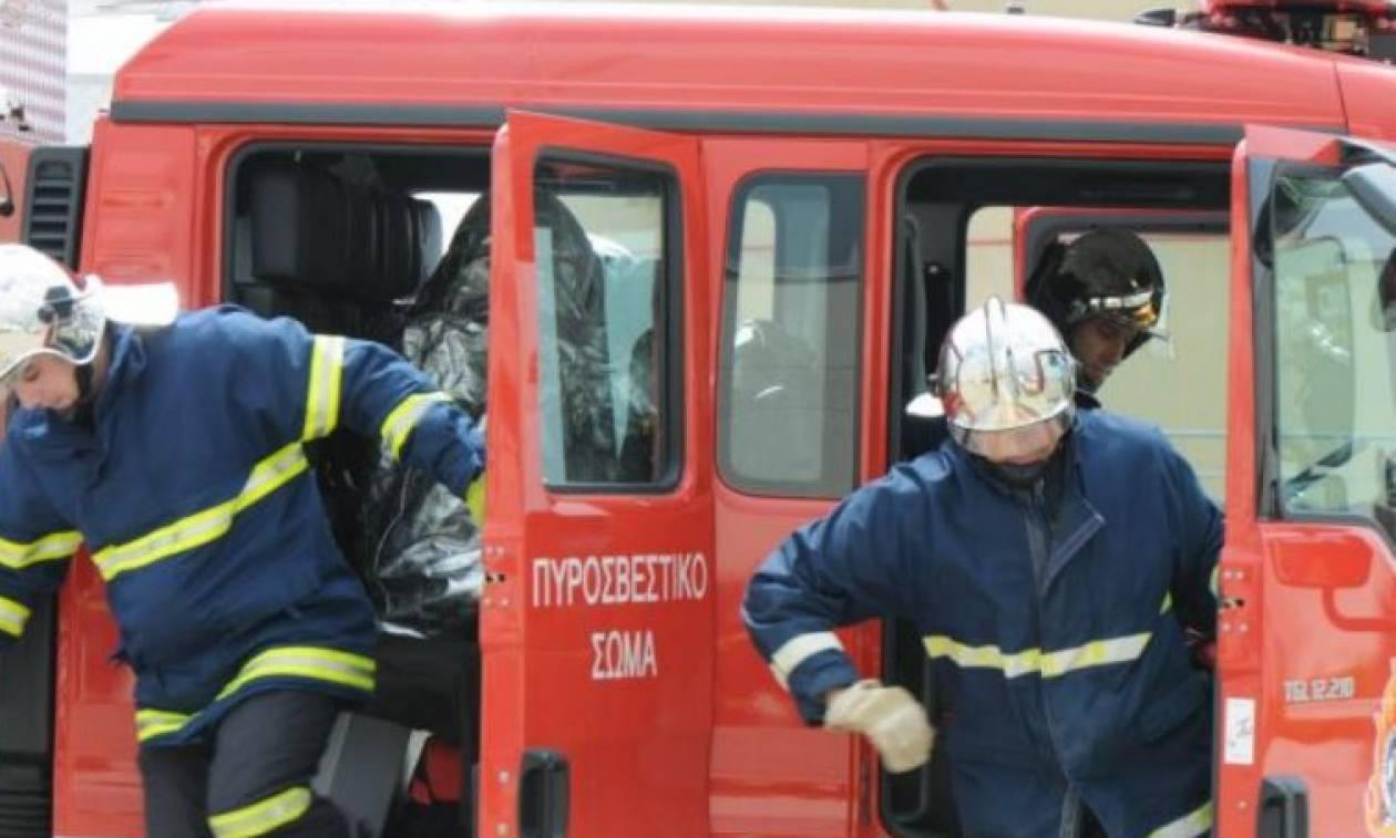 Υπό έλεγχο η φωτιά στις εργατικές κατοικίες στο Μαρούσι
