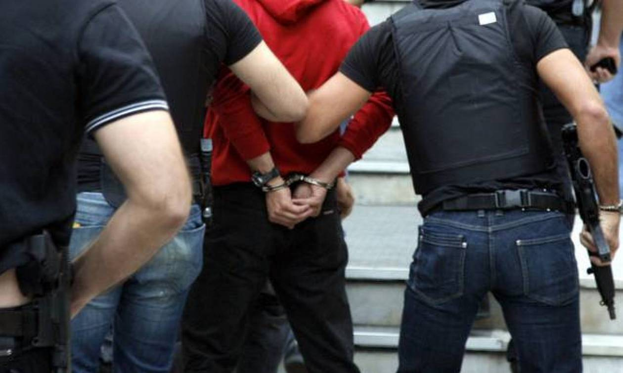 Θεσσαλονίκη: Συλλήψεις για ναρκωτικά στην πλατεία Αγίου Γεωργίου