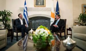 Никос Анастасиадис и Алексис Ципрас провели телефонные переговоры