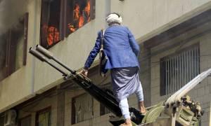 Ραγδαίες εξελίξεις στην Υεμένη: Οι Χούτι κατέλαβαν την πρωτεύουσα – Νεκρός ο πρώην πρόεδρος Σάλεχ