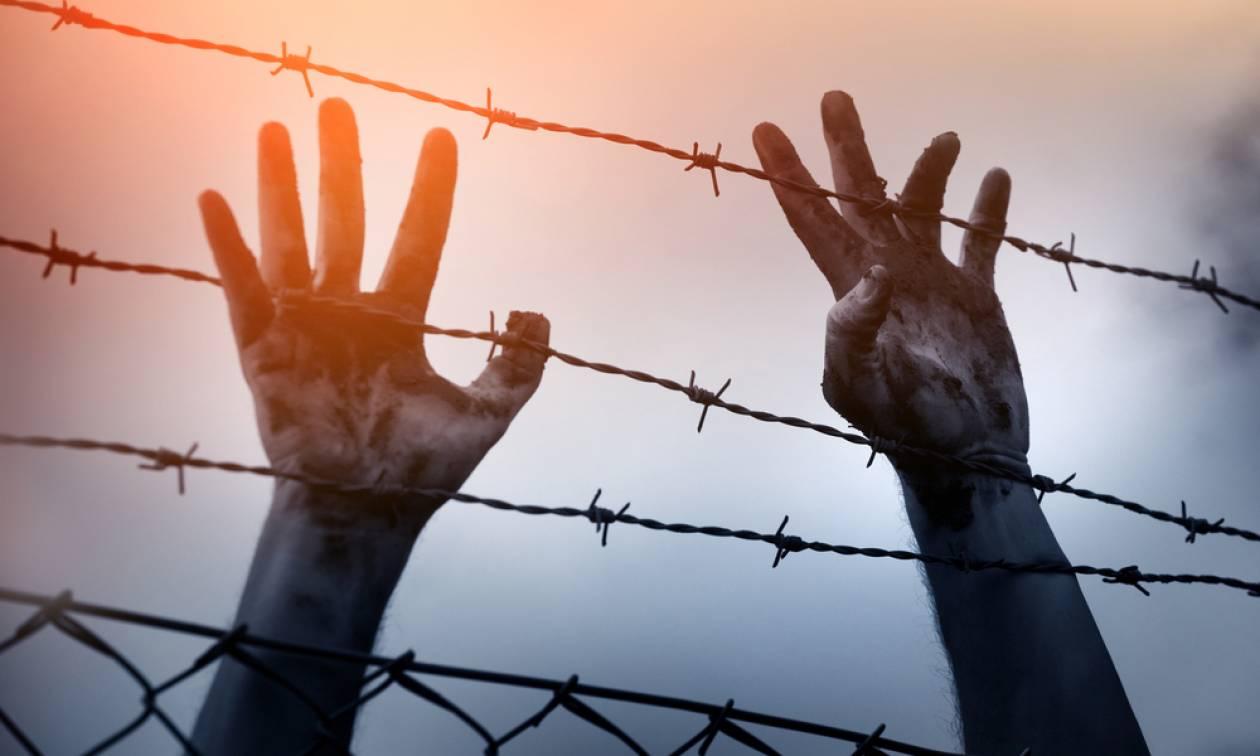 «Δώστε μου μια ευκαιρία»: Το σπαραχτικό μήνυμα ενός μικρού πρόσφυγα από τη Συρία (Pics)