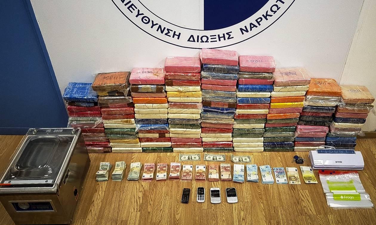 Ραγδαίες εξελίξεις: Ανοίγουν στόματα για το καρτέλ κοκαΐνης στη Βάρκιζα (vid+pics)