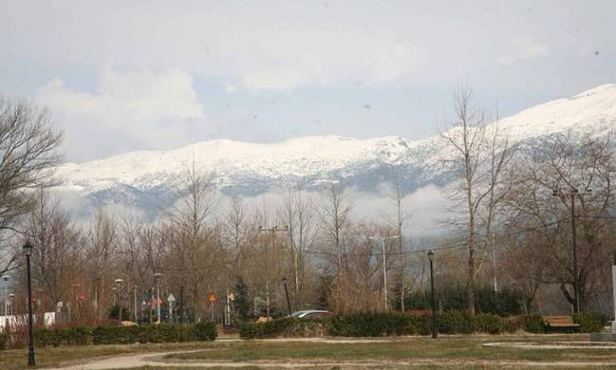 Καιρός σήμερα: Πέφτει η θερμοκρασία - Με χιονόνερο και χιόνια η Τρίτη (pics)