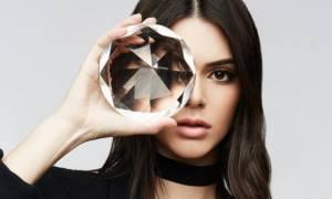 Ετοιμάσου να «ιδρώσεις» με τη νέα φωτογράφιση της Kendall Jenner