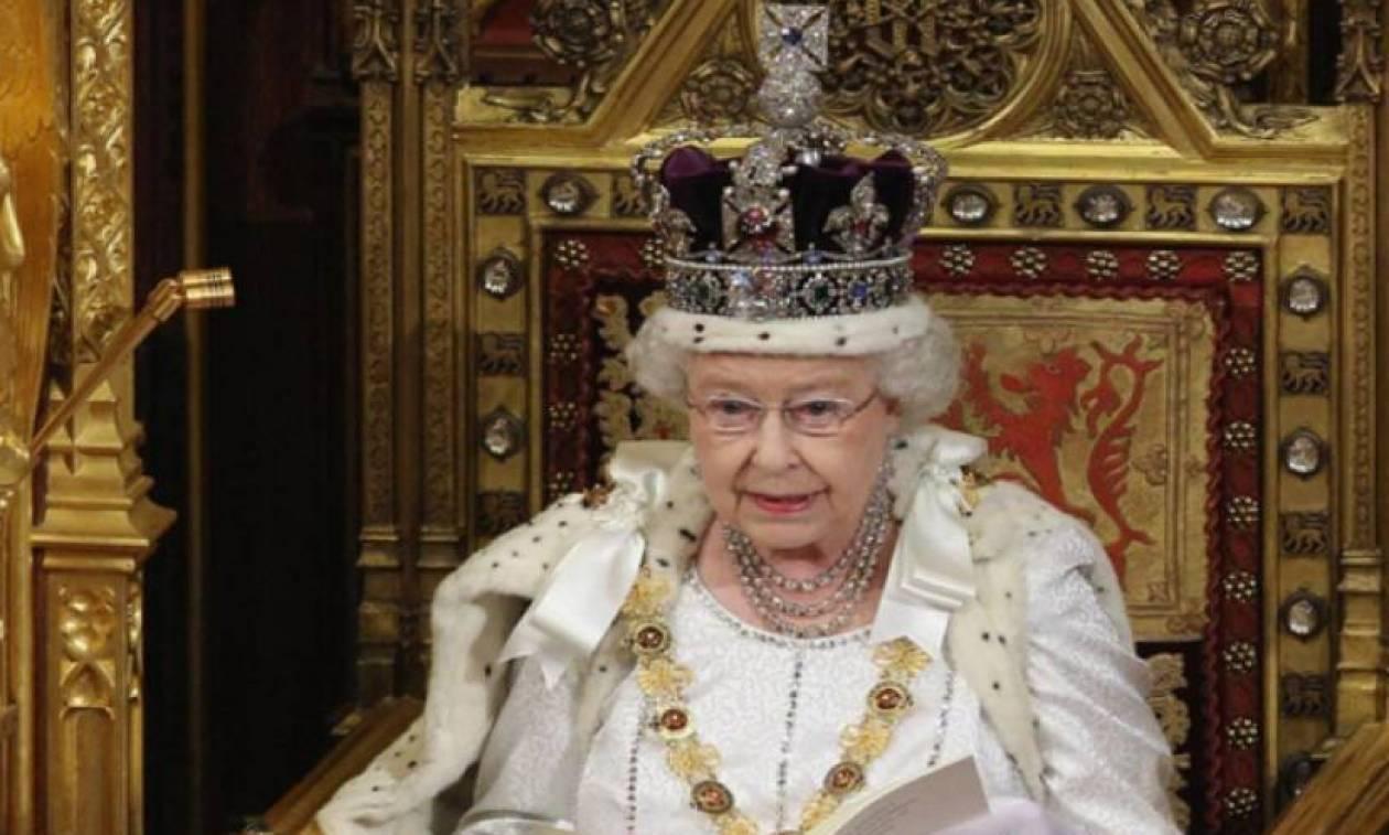 Δείτε ποια Ελληνίδα θα βραβεύσει η Βασίλισσα Ελισάβετ