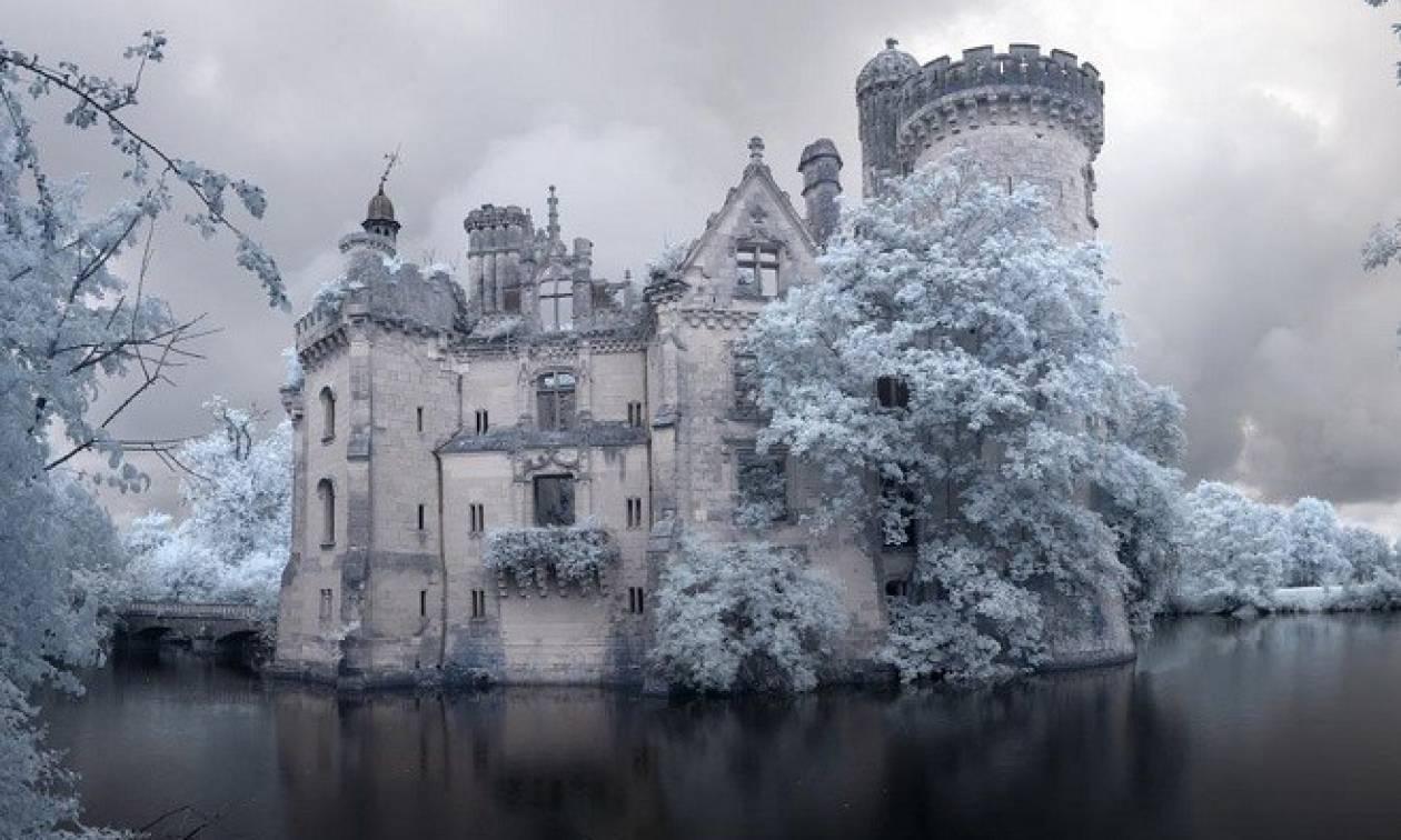 Αυτός ο Πύργος στη Γαλλία πωλήθηκε 500.000 ευρώ σε 6.500 χρήστες του Διαδικτύου!