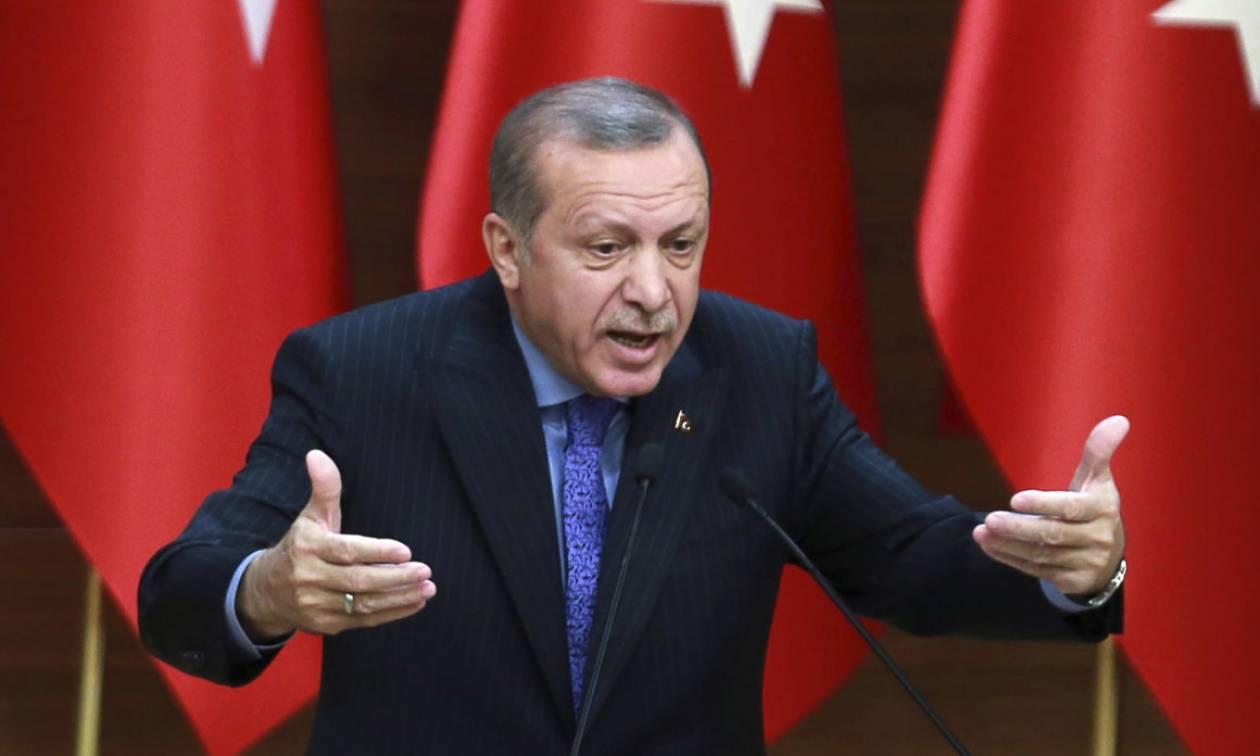 Ο Ερντογάν αντεπιτίθεται: Με μηνύσεις προσπαθεί να τρομοκρατήσει την αντιπολίτευση