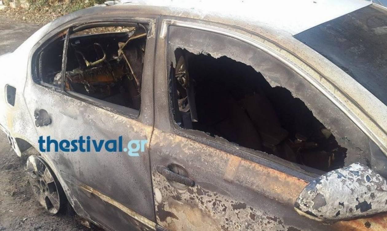 Θεσσαλονίκη: Αυτοκίνητο τυλίχτηκε στις φλόγες