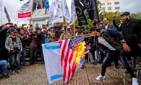 Σε νέα Ιντιφάντα καλεί η Χαμάς μετά την ανακοίνωση Τραμπ