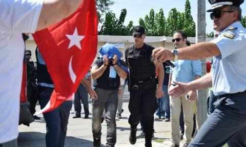 Έλληνες δικαστές: Αν αφήναμε τους «8» θα κατέληγαν σε κελιά απομόνωσης