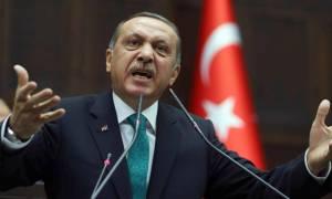Ερντογάν: Ένας Σουλτάνος με περικεφαλαία!