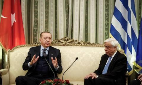 Επίσκεψη Ερντογάν: Η στιγμή που ο «σουλτάνος» προκαλεί τον Παυλόπουλο