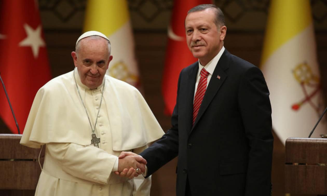 Έκτακτη τηλεφωνική επικοινωνία Ερντογάν – Πάπα Φραγκίσκου