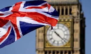 «Λευκός Καπνός» στις Βρυξέλλες: Κατ΄αρχήν συμφωνία για το Brexit