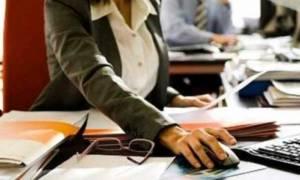 Έρχεται προκήρυξη για 7.685 προσλήψεις - Ποια τα κριτήρια και οι δικαιούχοι