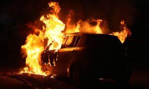 Τρόμος στην Πάτρα: Φωτιά σε αυτοκίνητα στο κέντρο της πόλης