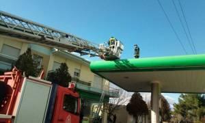 Σοκ στην Κοζάνη: Έπαθε ηλεκτροπληξία την ώρα που βρισκόταν σε βενζινάδικο (pics)