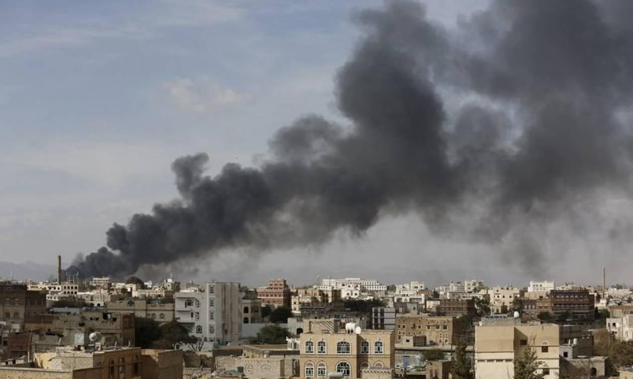 Υεμένη: Βομβάρδισαν την δημόσια τηλεόραση - Τέσσερις νεκροί