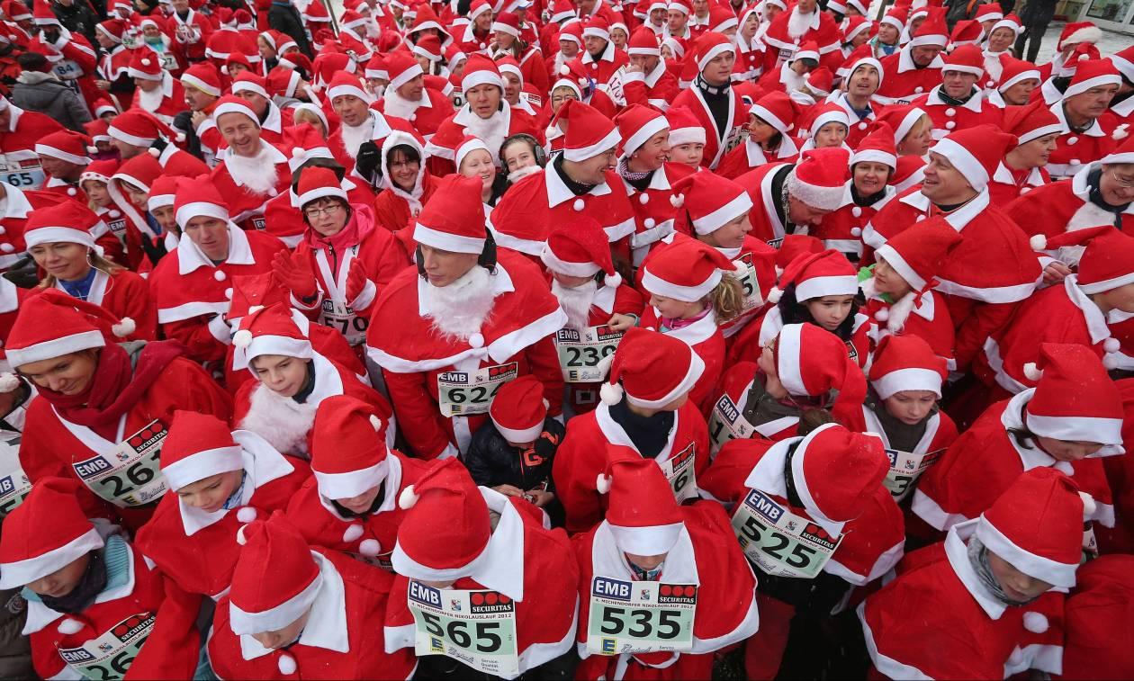 Χριστουγεννιάτικοι αγώνες δρόμου για 1.000 Άη Βασίληδες – Δείτε φωτογραφίες