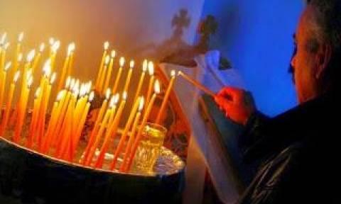 Γιατί δεν πρέπει να σβήνονται γρήγορα τα κεριά των πιστών στις εκκλησίες;