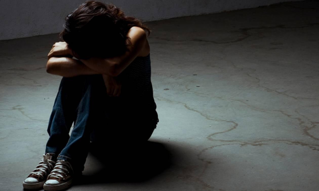 Φρίκη στο Βόλο: Παππούς βίαζε την ανήλικη εγγονή του - Σοκάρουν όσα υποστήριξε στο δικαστήριο