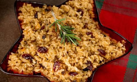 Νόστιμο ριζότο με σταφίδες και καβουρδισμένα αμύγδαλα - Δοκιμάστε το!