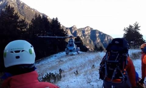 Τραγωδία στον Όλυμπο: Η στιγμή του εντοπισμού και της ανάσυρσης του νεκρού ορειβάτη (vid)