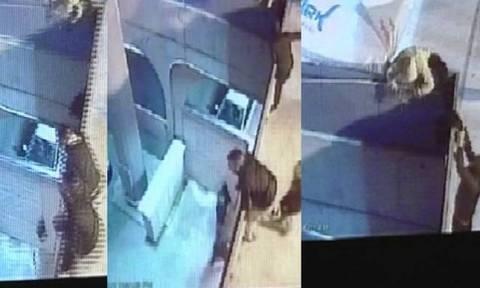 Βίντεο - Επεισόδια: Αποκαλυπτικά πλάνα από το Τσίρειο - Έτσι έβαλαν μέσα τις κροτίδες στο ΑΕΛ-ΑΠΟΕΛ!