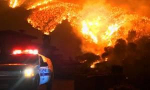 ΗΠΑ: Καίνε ανεξέλεγκτες οι πυρκαγιές στην Καλιφόρνια - Εκατοντάδες σπίτια έγιναν στάχτη (pics)