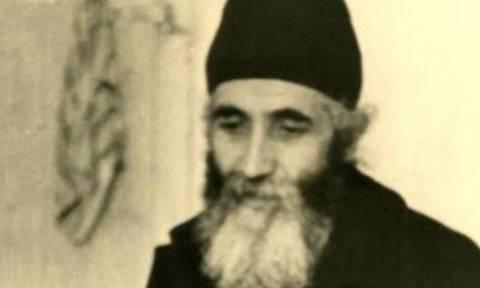 Άγιος Παΐσιος: Τον τσίμπησε σκορπιός, αλλά δεν διέκοψε την προσευχή του