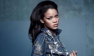 Η μυστηριώδης εμφάνιση της Rihanna μετά τις φωτογραφίες με το μονόπετρο