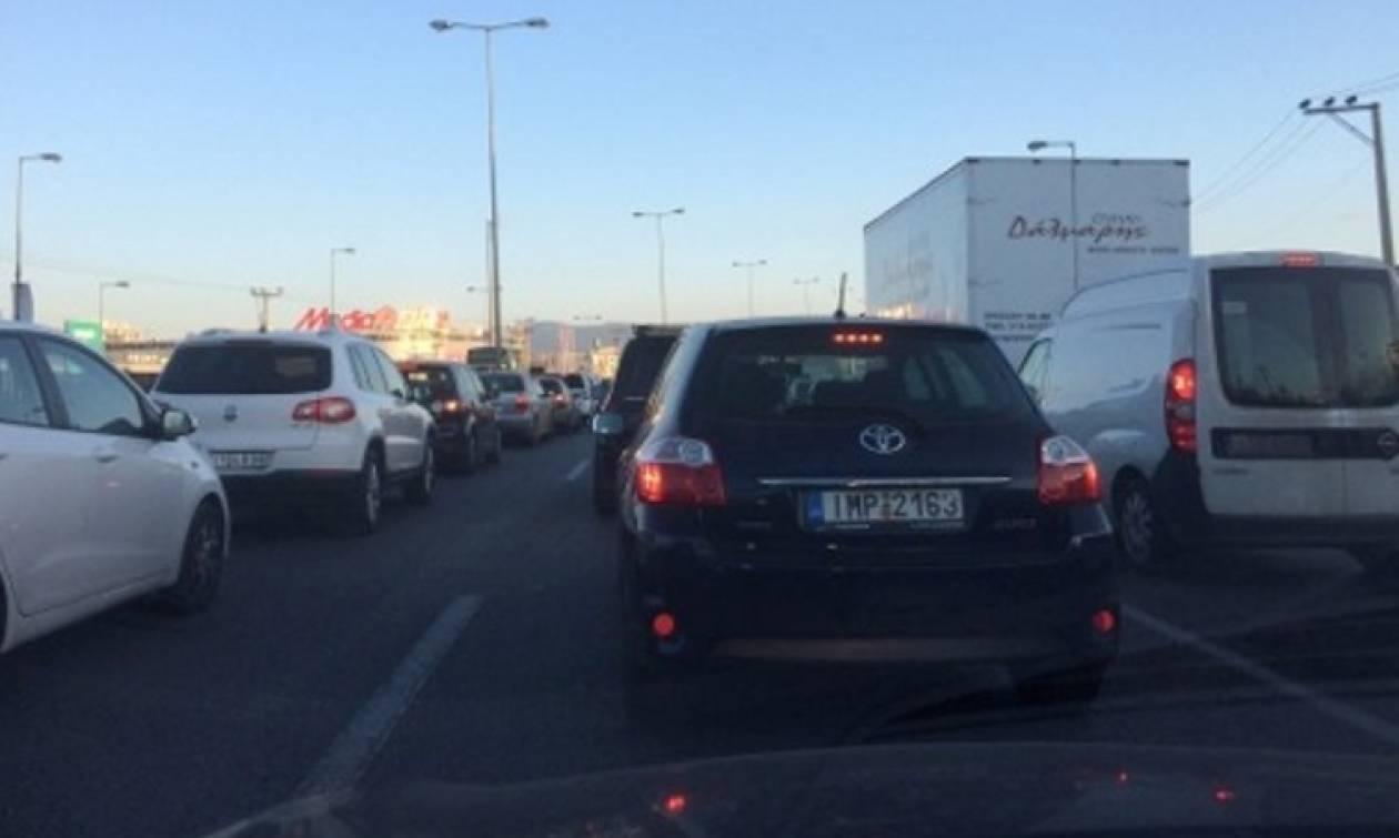 Κυκλοφοριακό «έμφραγμα» στους δρόμους της Αθήνας