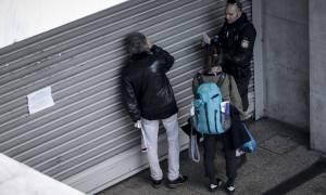 «Ντου» κουκουλοφόρων στο σταθμό του Μετρό «Πανεπιστήμιο» - Έσπασαν ακυρωτικά μηχανήματα
